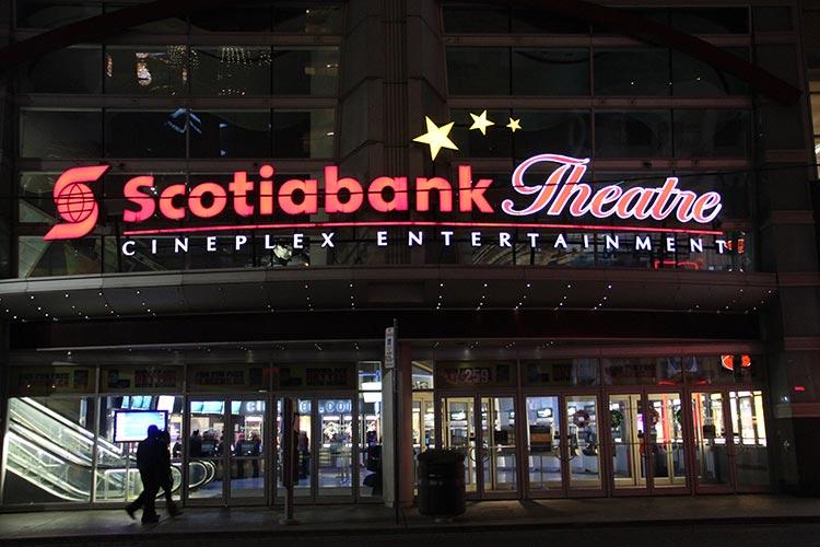 Qu'est ce qu'un theatre au Canada ?
