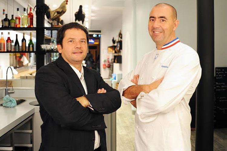 Pascal Brighi en compagnie du chef étoilé Christophe Haton
